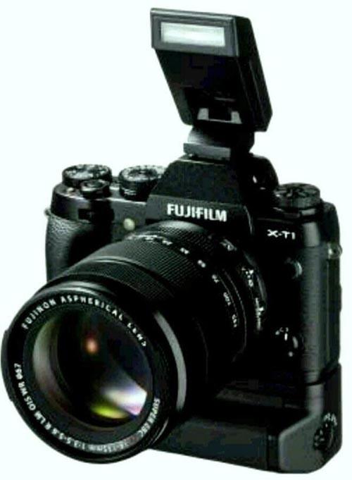x-t1_18-135_flash.jpg